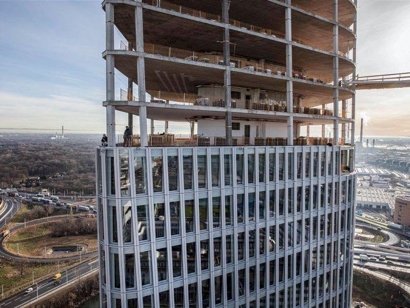 Wien: Austro Tower feiert Dachgleiche