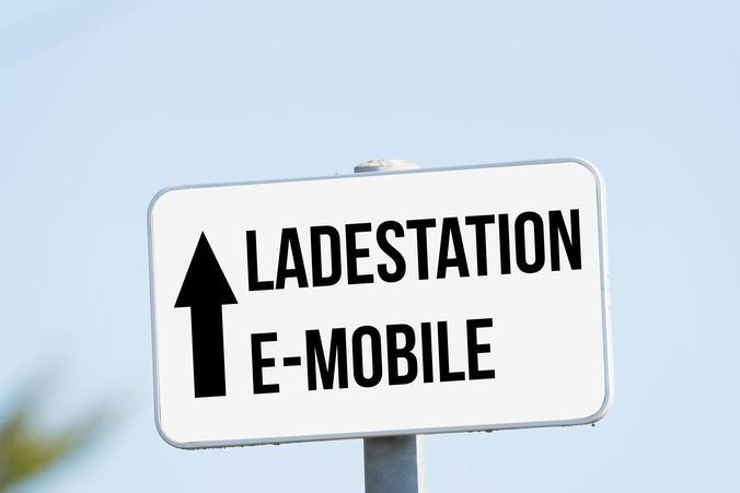 Zahl der Ladestationen für Elektroautos steigt weiter an